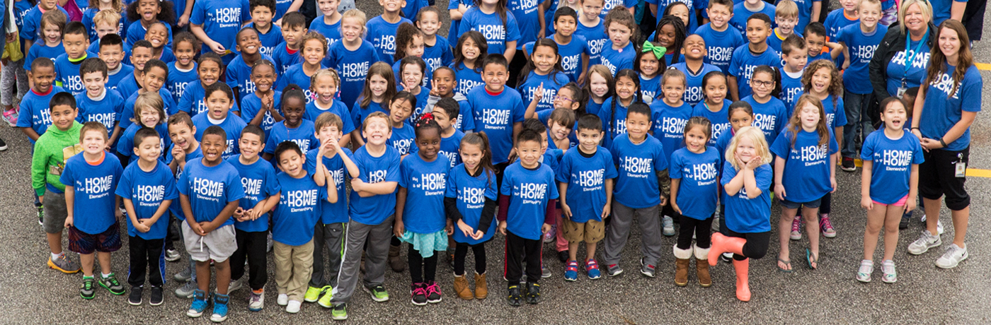 Howe Elementary School Students In Large Group Photo