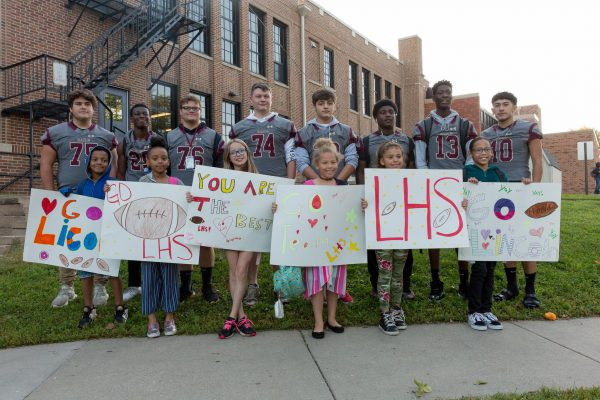 Railsplitter Football Players Greet Our Howe Students